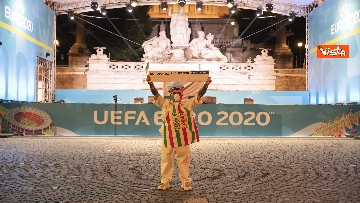 12 - Italia - Turchia, le immagini dei tifosi a Piazza del Popolo