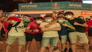 11 - Italia - Turchia, le immagini dei tifosi a Piazza del Popolo