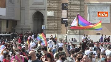 2 - A Piazza del Popolo si balla per far approvare il Ddl Zan