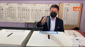 8 - Conte alle urne per le elezioni, il momento del voto