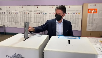 7 - Conte alle urne per le elezioni, il momento del voto