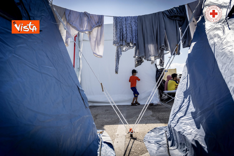 27-08-21 I profughi afghani accolti nel centro della Croce Rossa di Avezzano_02