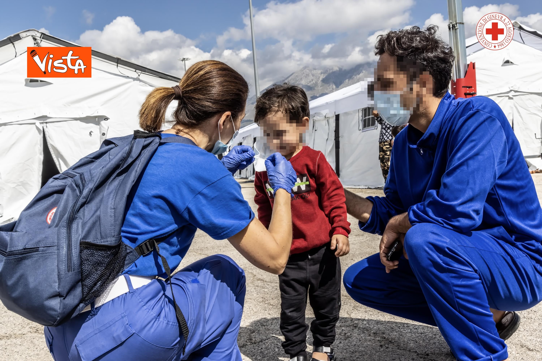 27-08-21 I profughi afghani accolti nel centro della Croce Rossa di Avezzano_05