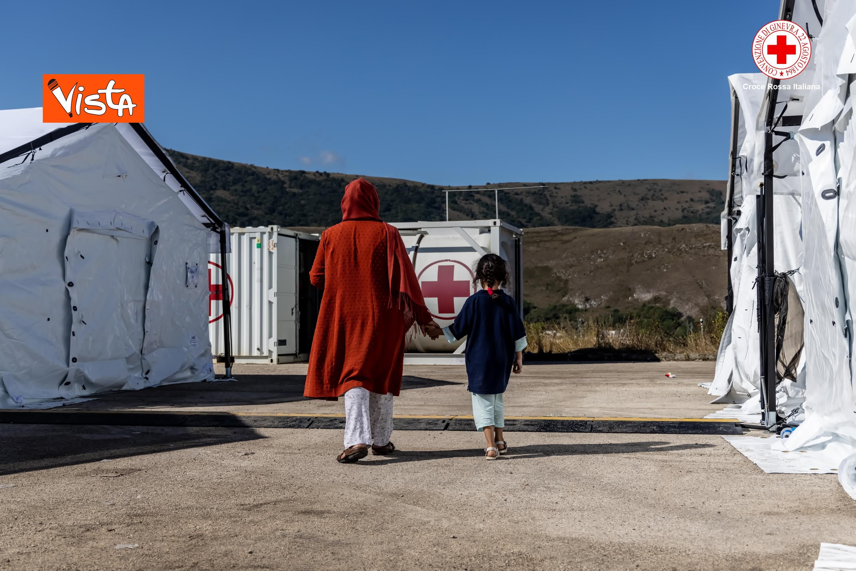 27-08-21 I profughi afghani accolti nel centro della Croce Rossa di Avezzano_06