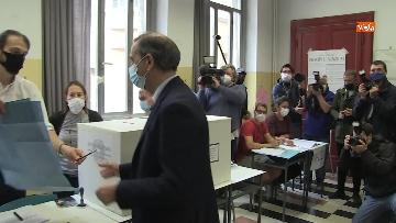 3 - Il sindaco di Milano Sala al voto per le amministrative. Le foto