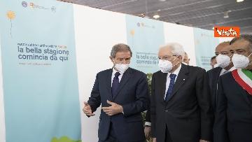 1 - Il Presidente Mattarella in visita all'Hub vaccinale anti Covid allestito alla Fiera del Mediterraneo