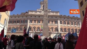 7 - Cgil, Cisl e Uil in piazza contro i licenziamenti. Le foto della manifestazione a Montecitorio