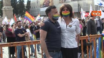 9 - A Piazza del Popolo si balla per far approvare il Ddl Zan