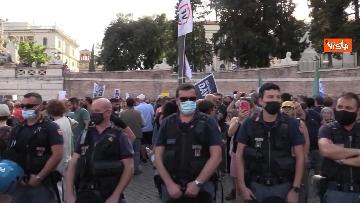 9 - No al Green pass, la protesta a Piazza del Popolo a Roma. Le foto