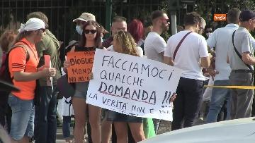2 - Protesta contro il green pass a Piazza San Giovanni a Roma. Le foto