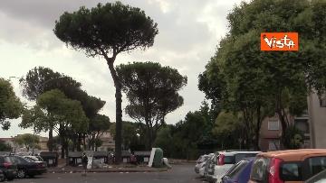 5 - Salvini e Michetti visitano il quartiere romano di Casale Caletto. Le foto