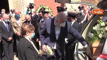 4 - L'ultimo saluto a Carla Fracci nella sua Milano, ai funerali anche il ministro Franceschini e il sindaco Sala
