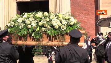1 - L'ultimo saluto a Carla Fracci nella sua Milano, ai funerali anche il ministro Franceschini e il sindaco Sala