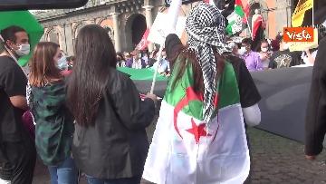 8 - In migliaia a Napoli sfilano a sostegno del popolo palestinese