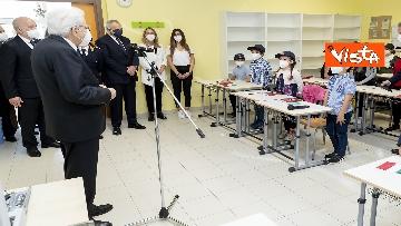 """1 - Il Presidente della Repubblica in visita all'Istituto Fiume Giallo per la resentazione de """"Il mio diario"""" per l'anno scolastico 2021/2022"""